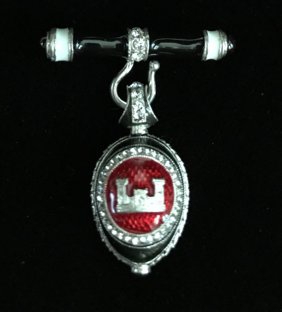 Artel Pendant With Engineer Castle Silver